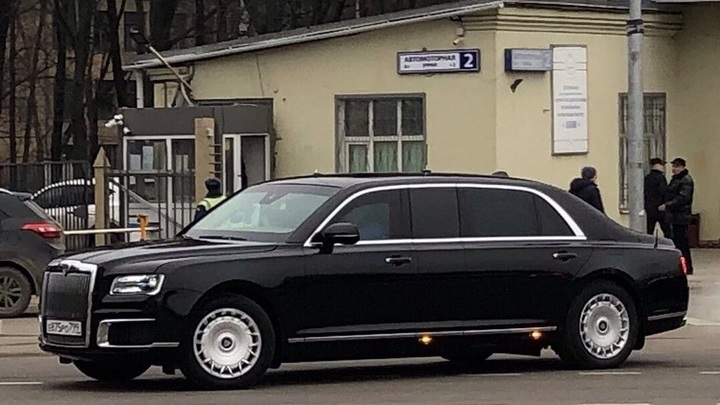 Объявлена цена бронированного лимузина Aurus Senat для частных покупателей