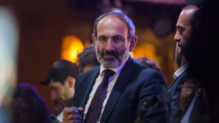 Пашинян считает, что Главный штаб ВС Армении готовит военный переворот