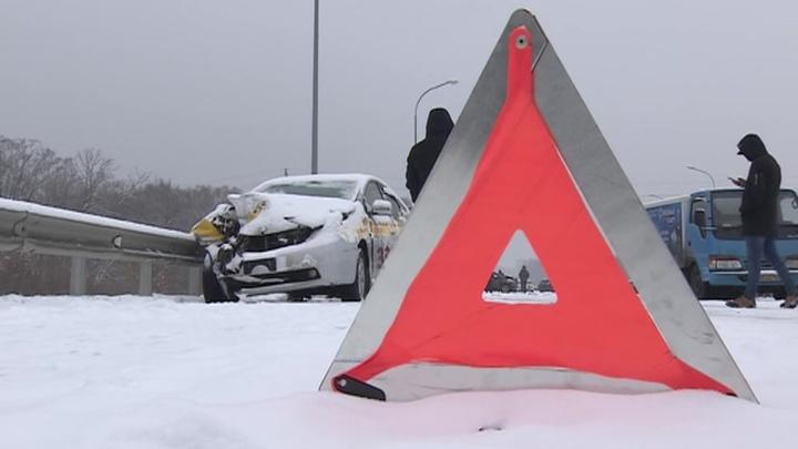 Легковая машина сбила двух детей на западе Москвы