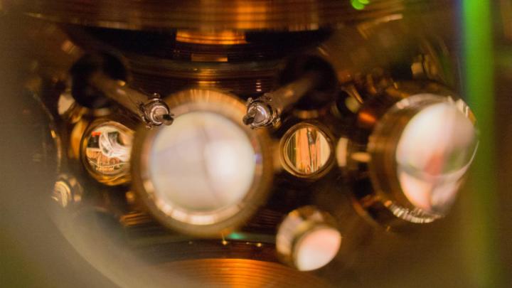 Новые атомные часы отстанут на секунду через 15 миллиардов лет