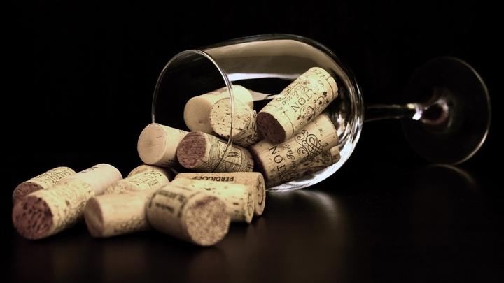 """Небольшие дозы алкоголя очищают мозг от метаболического """"мусора"""""""