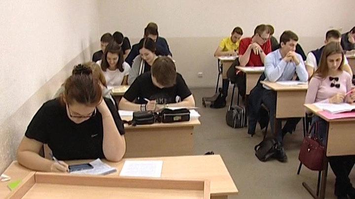 Фальков: студенты скоро вернутся к очному обучению