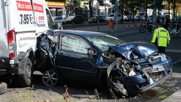 """Honda представила автомобили, """"видящие сквозь стены"""""""