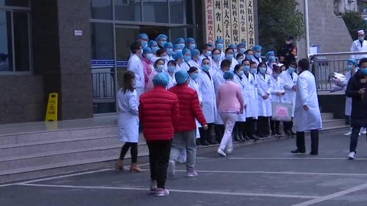 Коронавирус в Китае: еще 327 заболевших