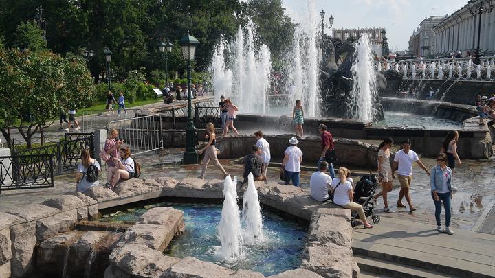Погодные качели: в Москве рекордная жара сменится дождями