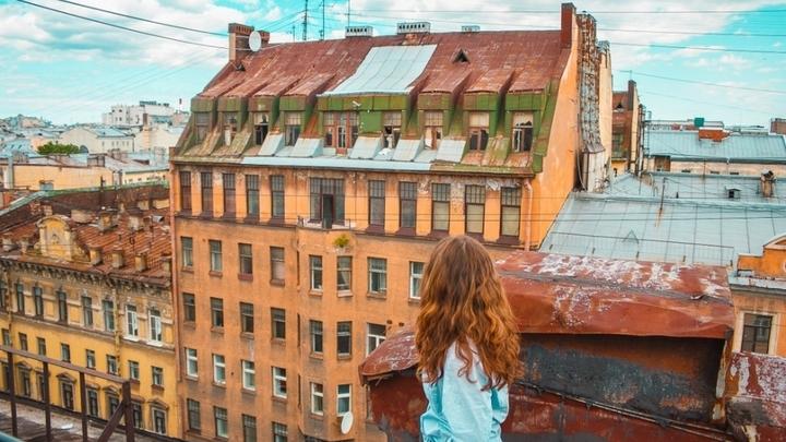 Два гида по крышам устроили драку со стрельбой в центре Петербурга