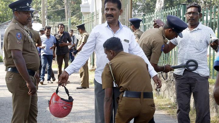 Бойня на Шри-Ланке: брат смертника схвачен с двумя мечами
