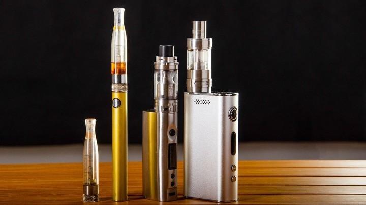 В Самаре могут запретить курение электронных устройств на улицах