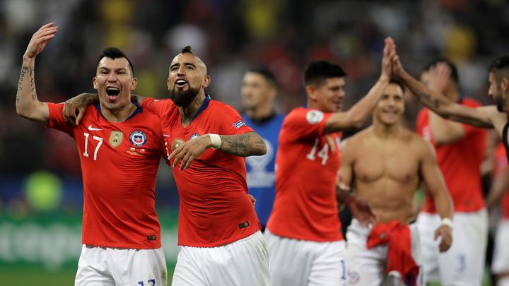 СМИ сообщили о секс-вечеринке игроков сборной Чили на Кубке Америки