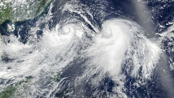 """Тайфун """"Иньфа"""" парализовал транспортное сообщение в Шанхае"""