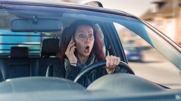 """Телефон за рулем: в Москве выявили 3,5 тысяч потенциальных """"смертников"""""""