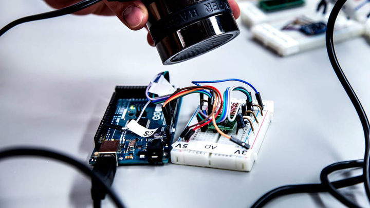 Смартфоны и другие устройства можно взломать при помощи звуковых волн