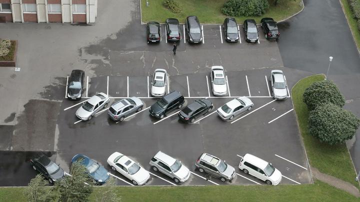 Заммэра Москвы рассказал о судьбе нелегальных парковок