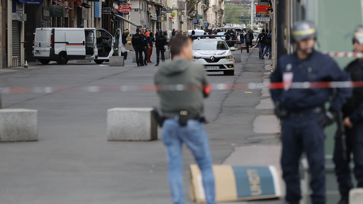 В Лионе задержан мужчина, оставивший сверток со взрывчаткой