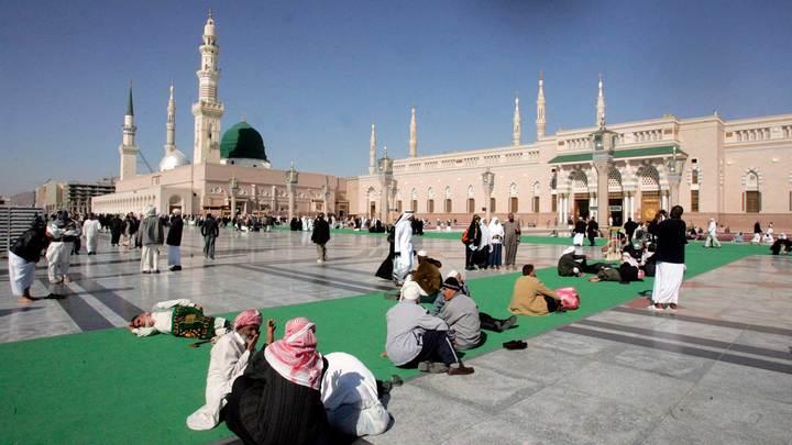 Саудовская Аравия будет пускать паломников на хадж при наличии прививки от ковида