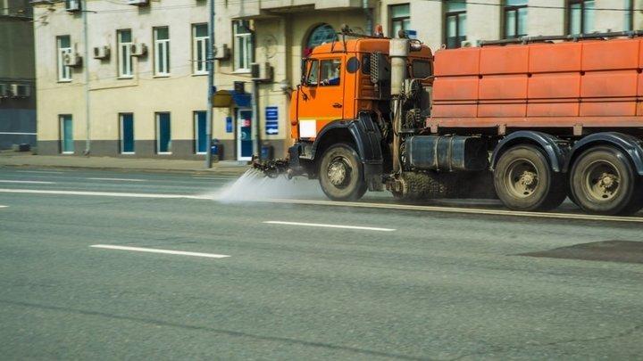 Дороги Москвы помоют с шампунем