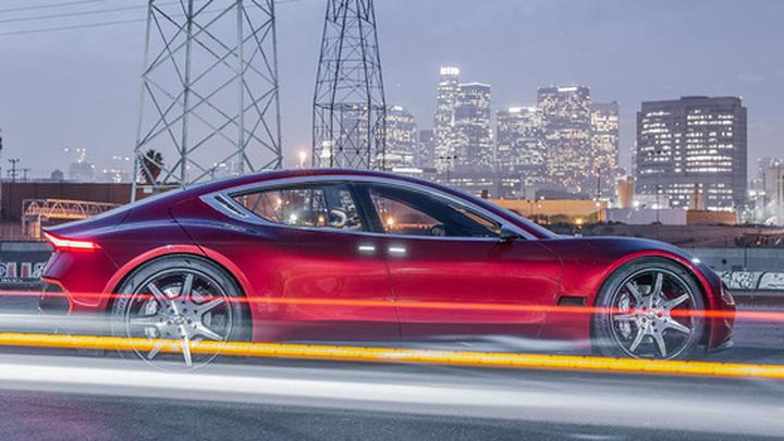 Tesla отказалась от выпуска самого быстрого электрокара