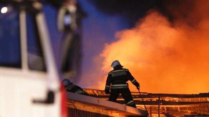 В Новосибирске из горящего магазина эвакуировали 35 покупателей