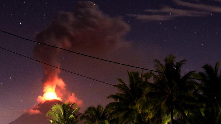 На острове Пальма произошло извержение вулкана Кумбре Вьеха