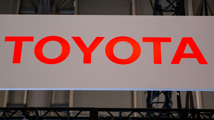 Toyota начнет использовать солнечные батареи в своих автомобилях