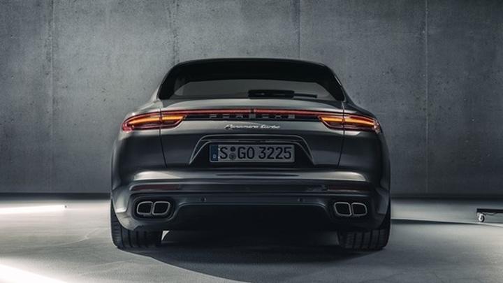 Porsche отзывает Taycan и Panamera: без ремонта они могут попасть в ДТП