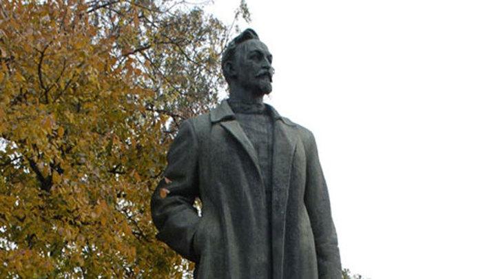 Выбор не фонтан: началось голосование по памятнику на Лубянке