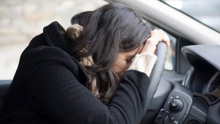 Автомобиль с засыпающим водителем остановит специальный прибор
