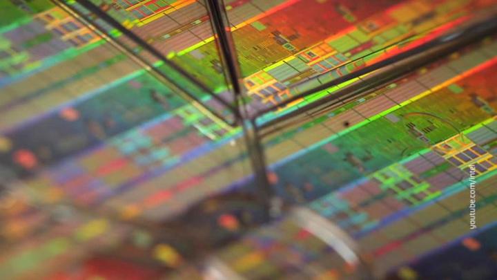 Intel вложит $20 млрд в производство чипов на заказ