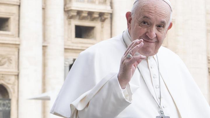 Папа Франциск прилетел в Багдад