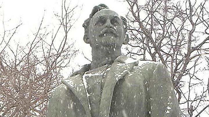 Писатели и блогеры попросили вернуть памятник Дзержинскому на Лубянку