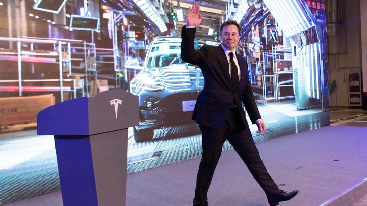 Стоимость Tesla рухнула на 50 миллиардов после обещаний Маска дешевой модели