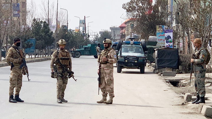 Во время Курбан-байрама дворец президента в Кабуле подвергся ракетному обстрелу