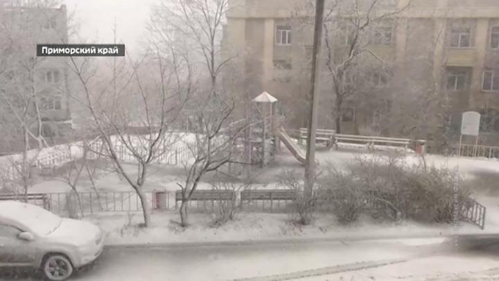 Атака пенопласта: последний снег в Москве даже не лег на тротуары