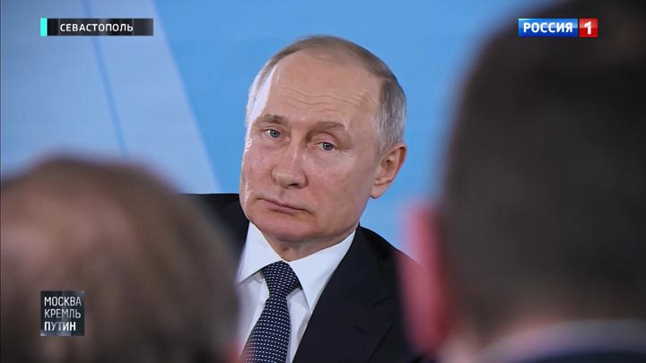 Особый статус вместо шалабушек: о чем крымчане говорили с Путиным и кто стал Героем Труда