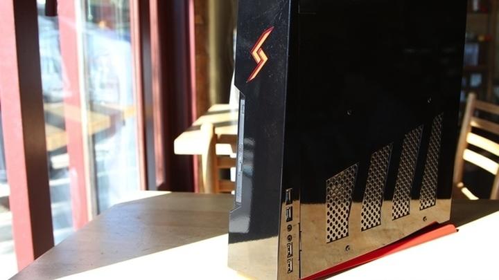 В продажу поступил мощный игровой Bolt в компактном корпусе