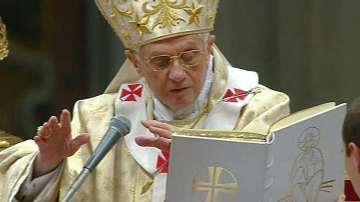 На рождественскую мессу в Ватикане собрались десятки тысяч верующих