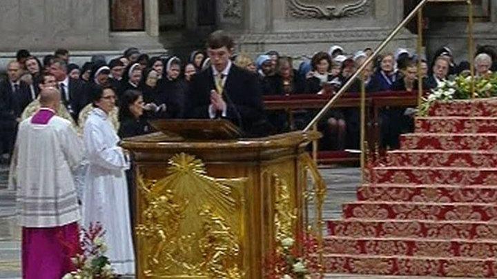 В Ватикане проходит рождественская месса