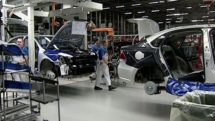 Минпромторг: кризис подтолкнет автоконцерны к выпуску компонентов в России