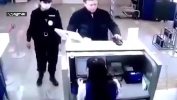 """Ижевск: реакция """"Единой России"""" на скандал с крупным чиновником"""