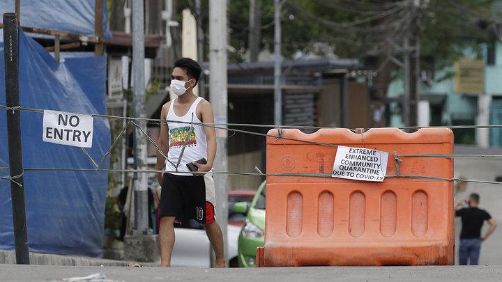 Президент Филиппин поручил задерживать людей без масок