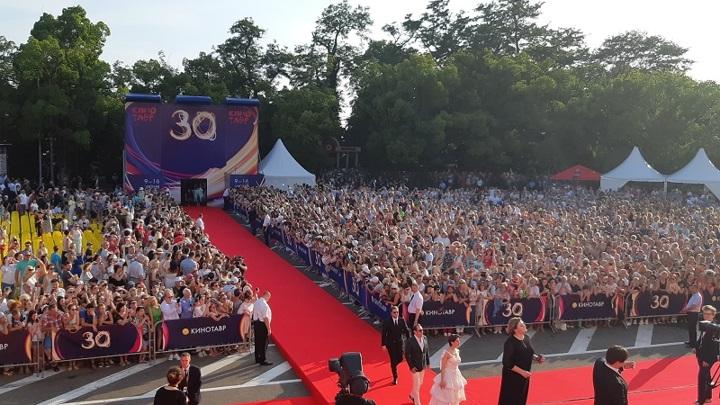 Фестиваль «Кинотавр» в Сочи перенесли на осень