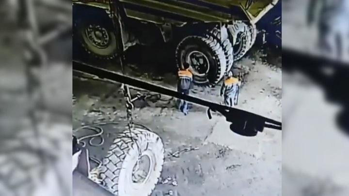 Отлетевшее от БелАЗа колесо убило водителя