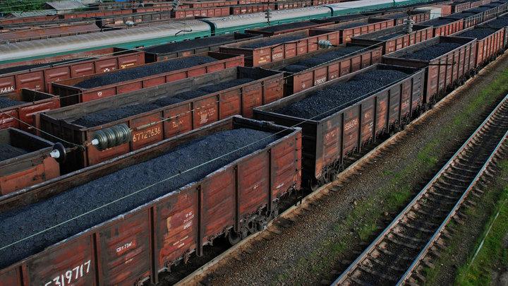 Больше 20 вагонов с углем сошли с рельсов в Забайкалье