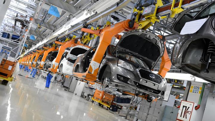 Дефицит чипов осложнил выпуск автомобилей в России