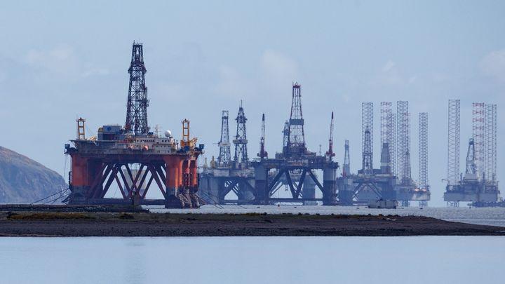 Нефть дорожает после выхода данных о запасах топлива в США