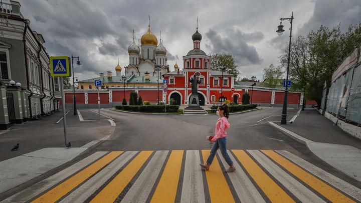 Москвичи смогут вернуться к нормальной жизни в мае, но при одном условии
