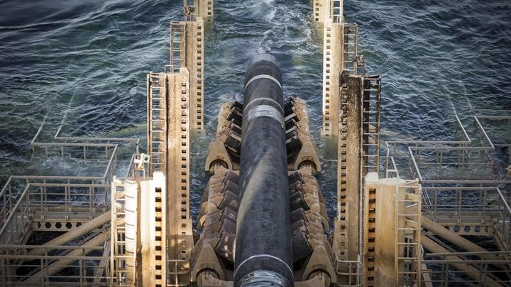 """""""Северному потоку-2"""" осталось 120 км: в Германию прибыло еще одно российское судно"""