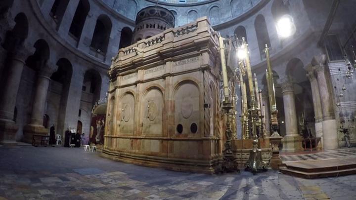 Храм Гроба Господня открылся для духовенства