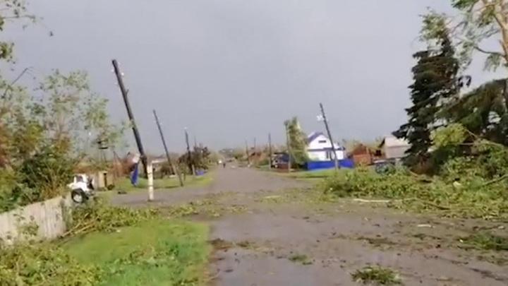 По восточным регионам России пронесся мощный ураган