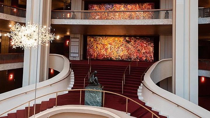 Метрополитен-опера начнет новый сезон на три месяца позже запланированного